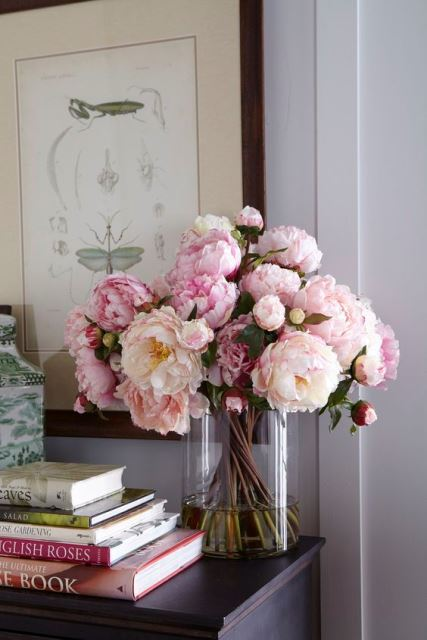 Να αγοράζετε φρέσκα λουλούδια για να δημιουργείτε θετική ατμόσφαιρα στο σπίτι σας