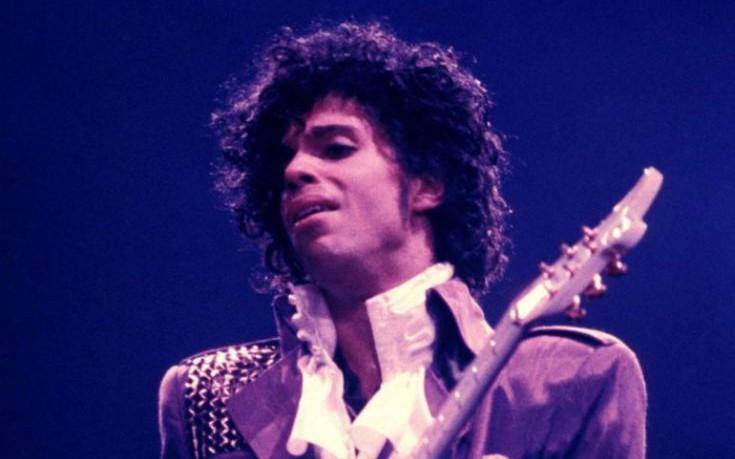 Πουκάμισο του Prince πωλήθηκε έναντι 100.000 δολαρίων